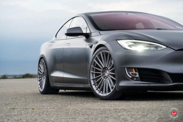 tesla-model-s-series-17-s17-04-vossen-wheels-2020-440-1047x698-1.jpg