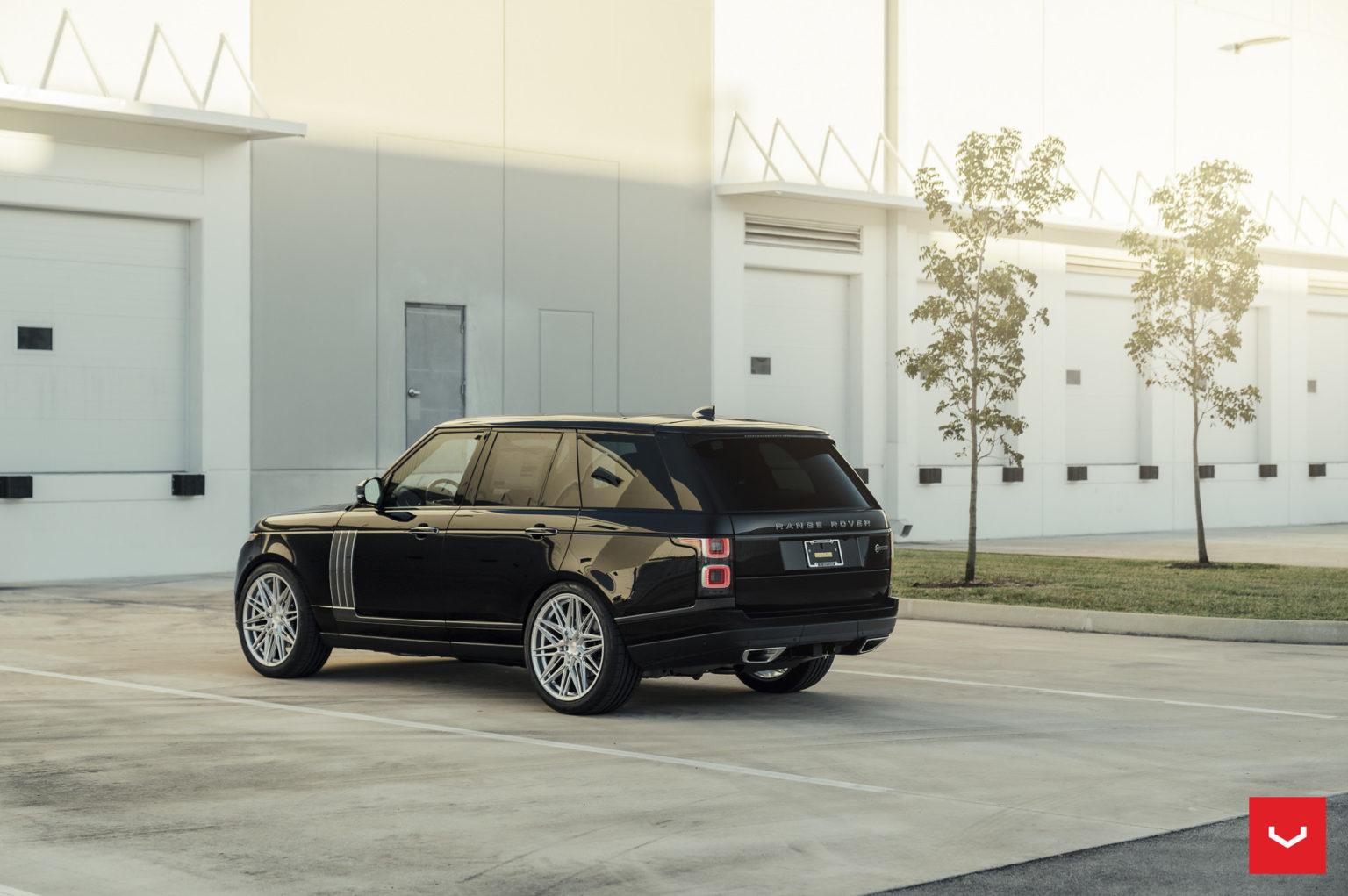 Land Rover Range Rover на литых дисках Vossen HF-7 Москва Россия 1