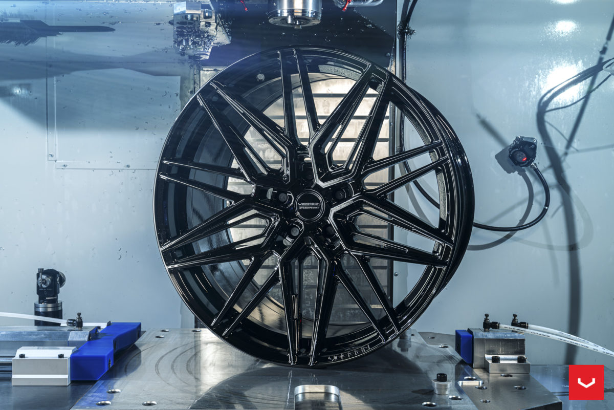 Новинка от Vossen HF-7 в R22, R23. Hybrid Forged